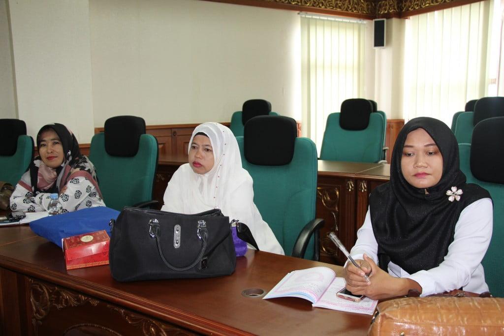 Para guru dari sekolah mitra