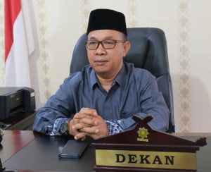 Dekan Fakultas Tarbiyah dan Keguruan Dr. H. M. Syaifuddin, S.Ag, M.Ag
