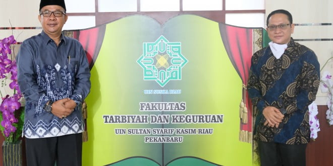 Foto bersama Dekan FTK  UIN Suska Riau dan Keyua STAI Hubuulwatahan Duri