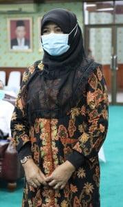 DR. Sofia Hardani, M.Ag (Wakil Dekan Bidang Kemahasiswaan dan Kerjasama ) Fakultas Syari'ah dan Hukum